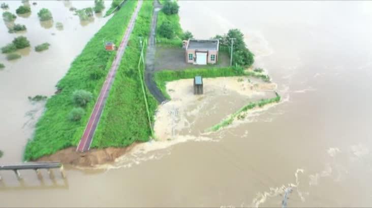 유례없는 낙동강 둑 붕괴, 인재?