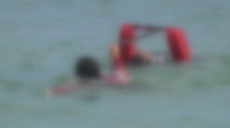 송도해수욕장 물에 빠진 남성 2명 숨져