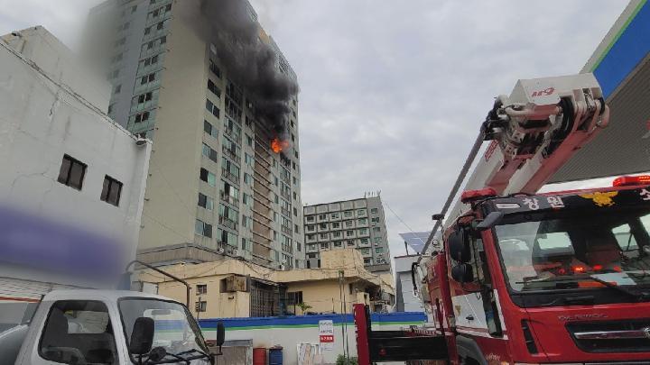창원 한 아파트에서 불, 7명 연기흡입·23명 구조